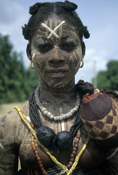 Young Woman, Cote d'Ivoire ©Dannielle Hayes