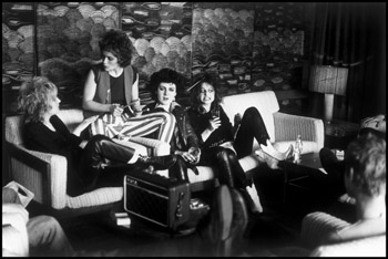 The Slits on tour - the hotel lobby, 1977 ©Caroline Coon/Camera Press