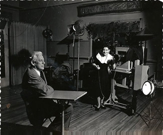 Sherman photographing Max Eastman in her Carnegie Hall studio