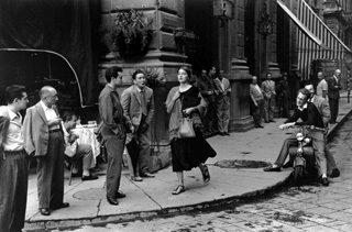 American Girl in Italy ©Ruth Orkin