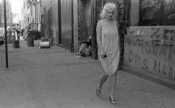 Tina L'Hotsky, Out for Cigarettes ©Alan Kleinberg